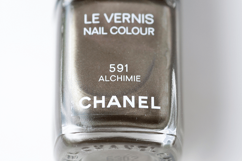 chanel-alchimie-bottle-closeup