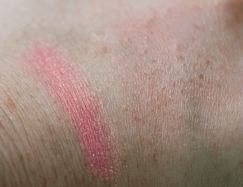 oslo-cosmetics-pictor-blush-swatch