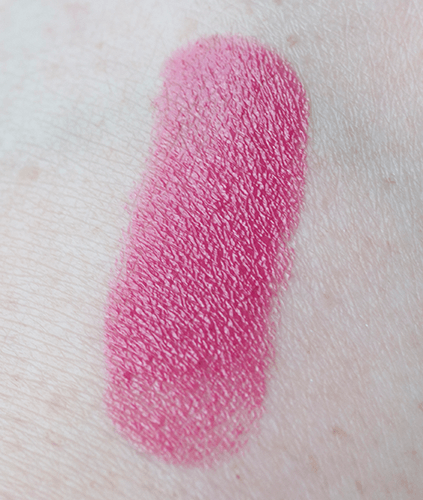 urban-decay-revolution-lipstick-turnon-swatch-hand